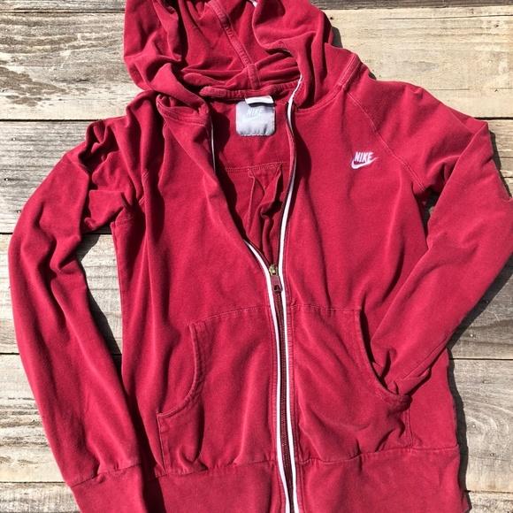 590bae350db1 Lightweight NIKE zip up hoodie. M 5aaeda85f9e501abb76884ad
